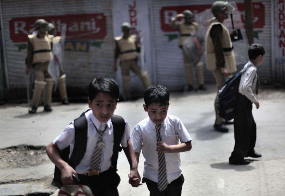 Photo: Dar Yasin/ AP, Children of Kashmir, Conflict and A Collapsed Education System | Leher NGO in India | Child Rights Organization